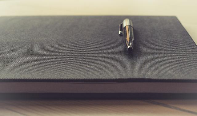 notanik papier pióro